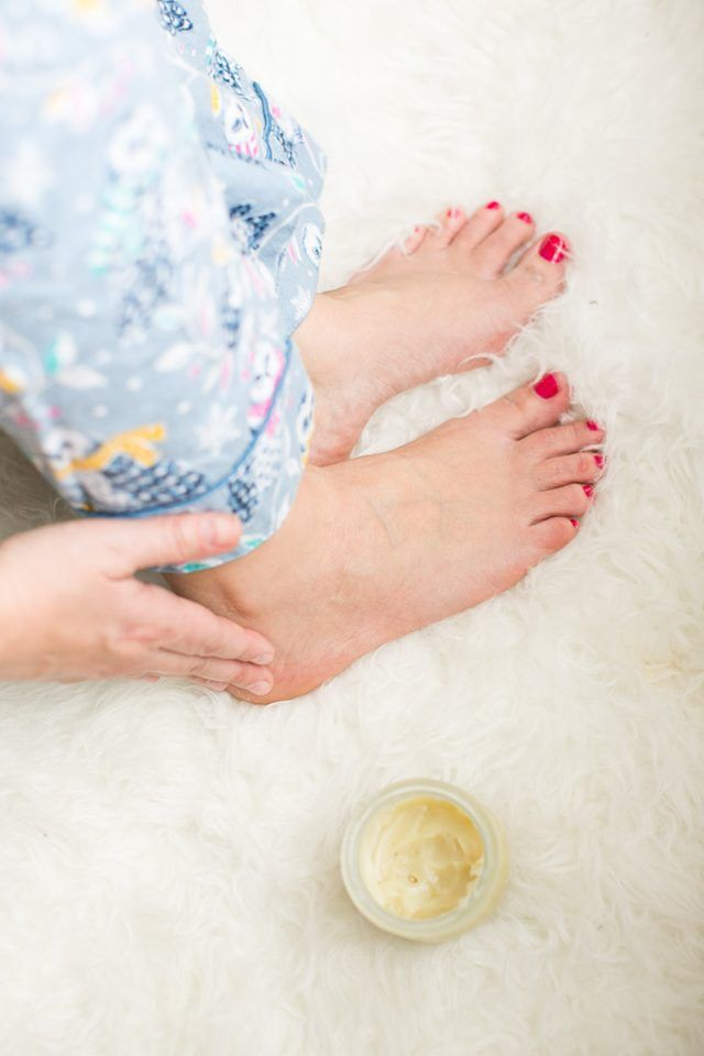 how to heal cracked calloused feet