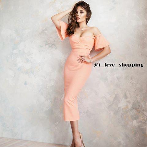 Потрясающее персиковое платье по фигуре садится шикарно смотрится очень женственно идеально для торжественных  мероприятий либо летних вечеров на террасе  Размеры: S, M, L  Цвета: персик, Марсала  Цена: 5500 ₽  Материал: костюмный креп  Длина платья: 120 см  Пишите в ➡+7-982-908-25-41 (WhatsApp, Viber)   Отправки по России и миру почтой либо  курьером