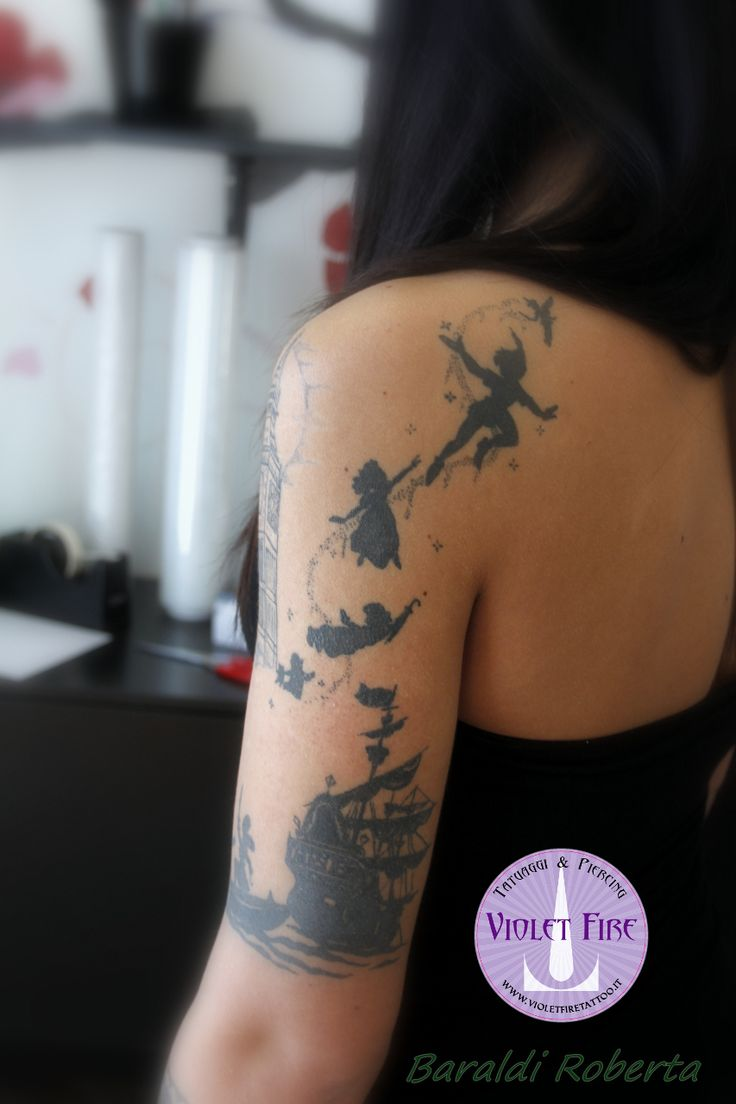 tatuaggio personaggi, tatuaggio videogioco, tatuaggio gruppo, tatuaggio cartone, tatuaggio anime, tatuaggio grande, tatuaggio artistico - Tatuaggio Peter Pan su braccio - Violet Fire Tattoo - Foto by Roberta Baraldi - tatuaggi maranello, tatuaggi modena, tatuaggi sassuolo, tatuaggi fiorano