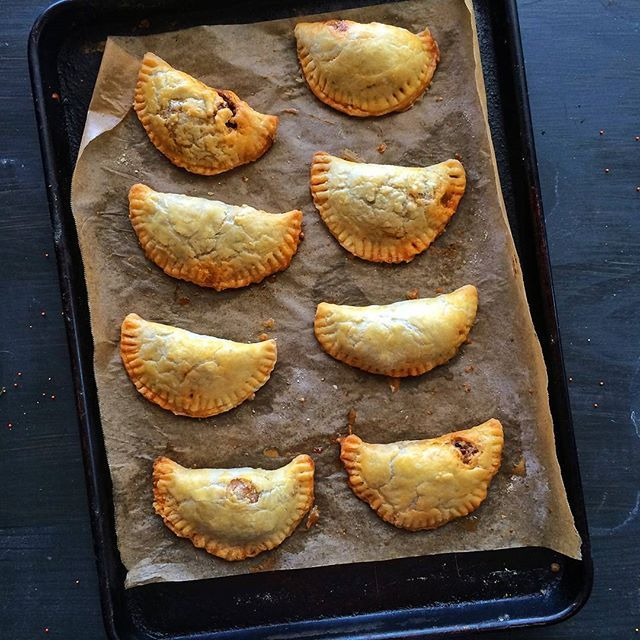Spicy Beef Empanadas with Golden Raisins // @primlanikitchen. Find this #recipe and more on our Empanadas Feed at https://feedfeed.info/empanadas-samosas-hand-pies-pastizzi?img=945463 #feedfeed