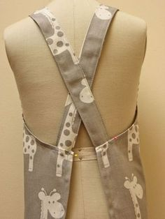 Free pattern. The cross-back apron for adults and children by Felic …   – Sewing patterns