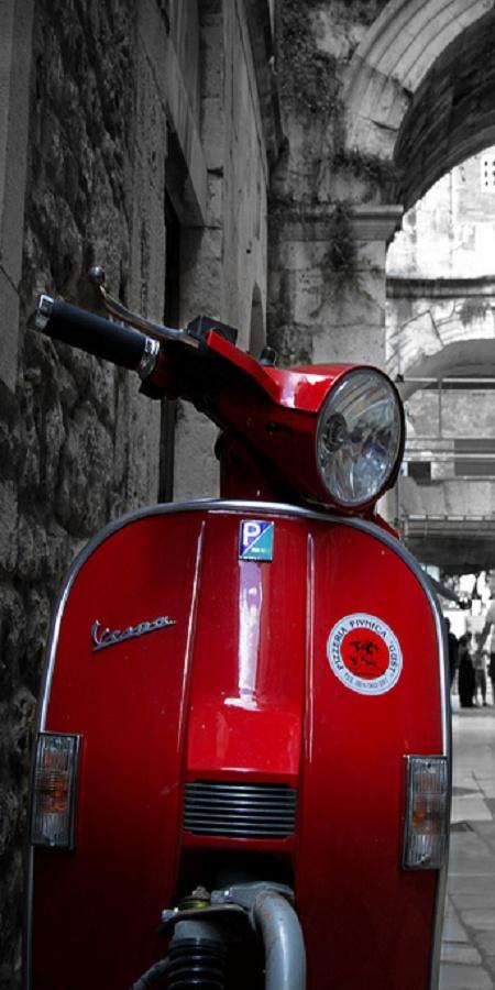 Italian scooter.  #irresistiblyitalian