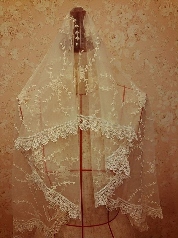 花刺繍入りマリアベール by mischa ファッション その他