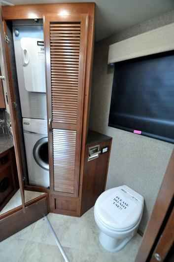 2015 New Fleetwood Expedition 38S Bath & 1/2 Diesel RV for Class A in Texas TX.Recreational Vehicle, rv, 2015 Fleetwood Expedition 38S Bath & 1/2 Diesel RV for Sale at , EXTRA! EXTRA! The Largest 911 Emergency Inventory Reduction Sale in MHSRV History is Going on NOW! What prompted this unprecedented sale? Read All About it: REV Group Inc. buys local Fleetwood & American Coach dealership and their remaining inventory to open a factory certified service facility next door to Motor Home…