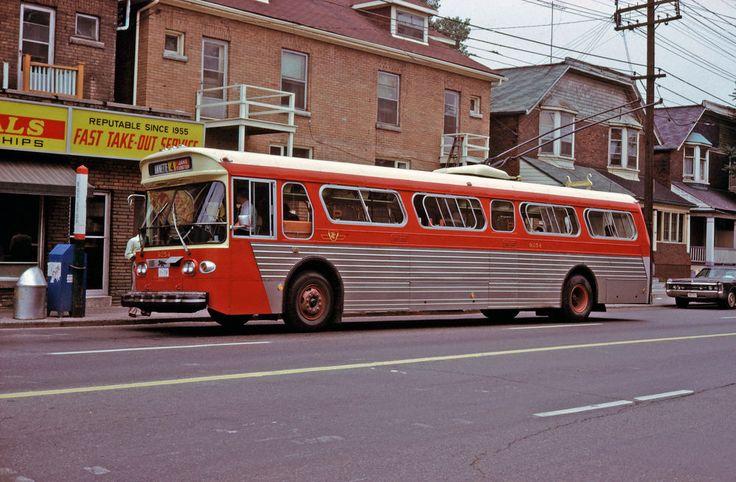 T311 Toronto TTC 9254 Bus  !960's  35mm slide