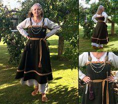 """Jag har bestämt mig för att sy en """"riktig"""" vikingadräkt - eller så riktigt man… My Viking dress made by traditional methods"""