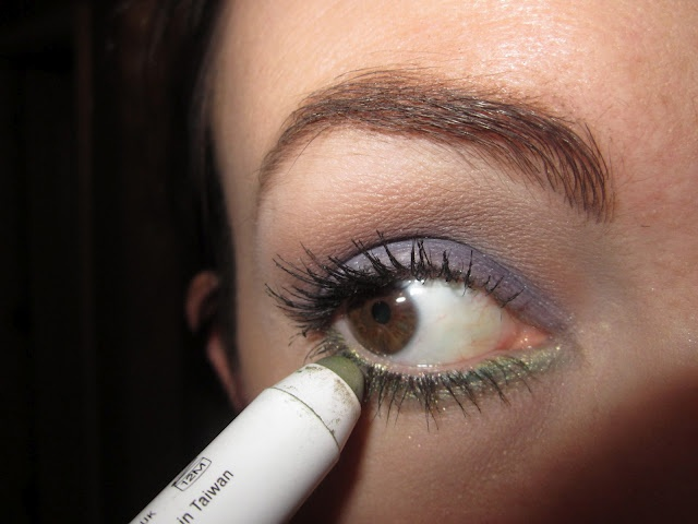 "Loved this purple + green eye lid look from my Book Review of ""Makeup Makeovers In 5, 10, 15, and 20 Minutes"" By Robert Jones"