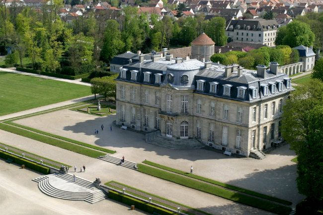 A Splendid Day Trip from Paris: Château de Champs-sur-Marne