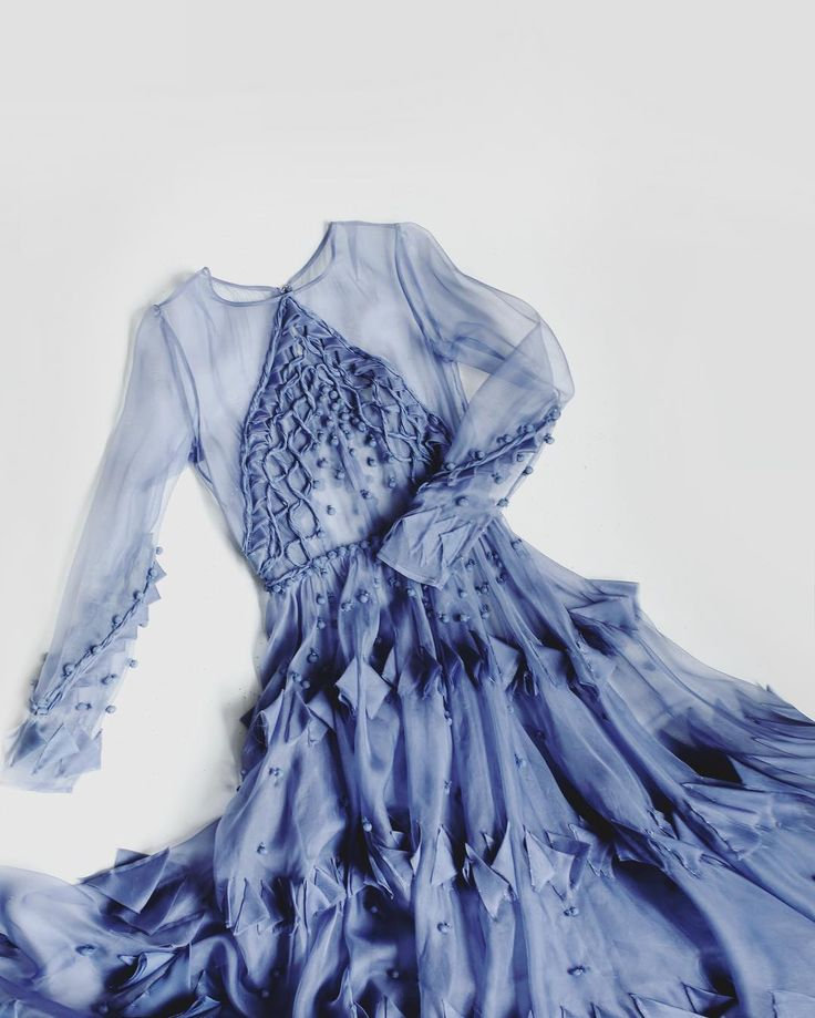 For the Yule Ball, Vicki tried to embody the spirit of Ravenclaw - feathers and blue - into her dress