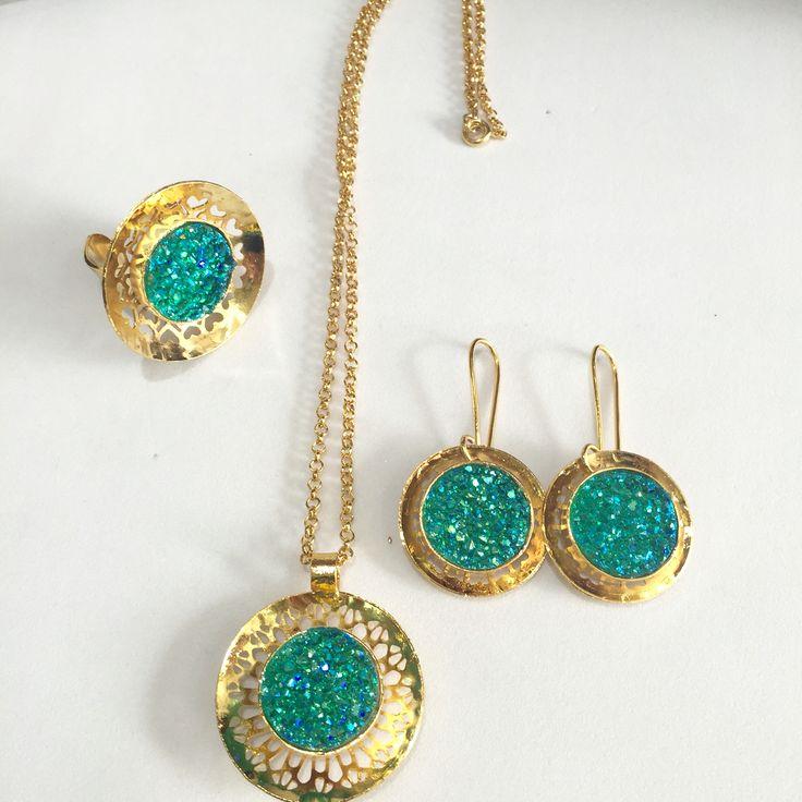 Collares aretes anillos drusa bronce bañooro