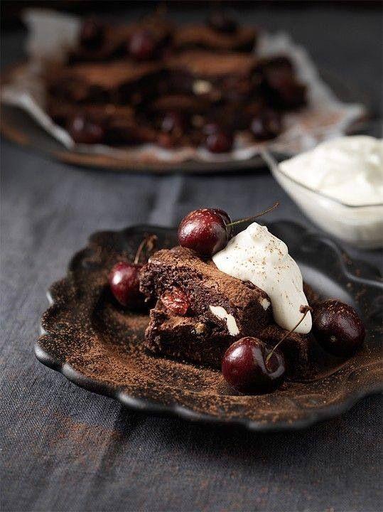 Dark Chocolate And Cherry Cake
