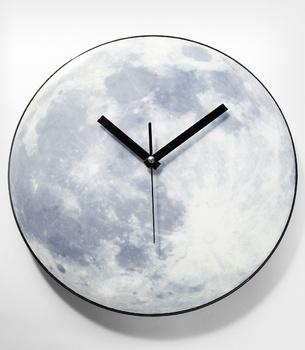 Glowing Moon Clock!  !! $36: Lune Glow, Moonlight Clocks, Moon, Girly Things, Unique Gifts, Dark Moonlight, Funny Gifts, Moon Clocks, Glow Moon