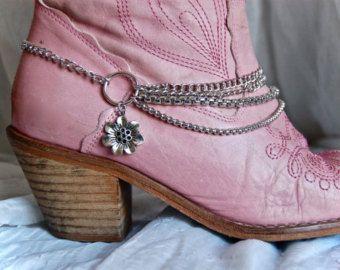 Mano había diseñado cadenas de arranque con un encanto de flor de Margarita. Arranque arranque pulsera