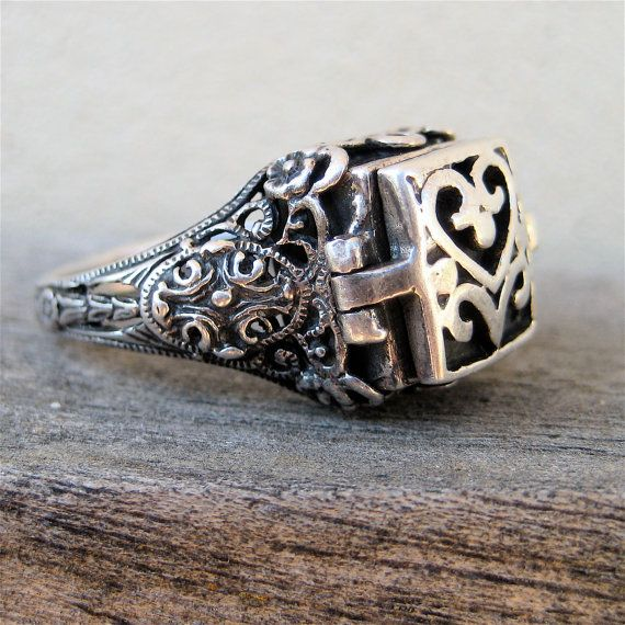 Sterling Poison Ring by elansolete on Etsy, $39.00