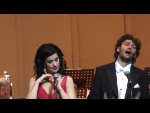 Angela Gheorhgiu and Jonas Kaufmann sing Tosca 2