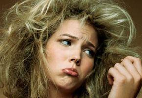 Une astuce beauté pour les brunes qui veulent s'adoucir les cheveux c'est d'utiliser le marc de café comme après-shampooing naturel.  Découvrez l'astuce ici : http://www.comment-economiser.fr/marc-de-cafe-un-apres-shampoing-naturel-gratuit.html