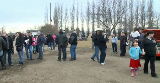 More than 500 people gathered in Brooks on Sunday to support the family of a 19-year-old woman who passed away in hospital last weekend following an assault.