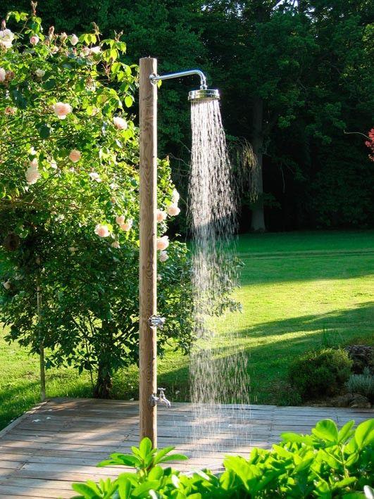 Douches solaires et design -Le spécialiste des piscines   Euro Piscine Services