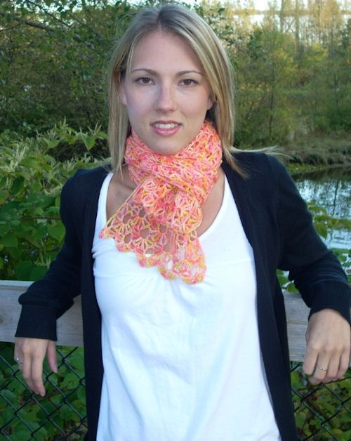 Versailles Scarf - free crochet pattern from Crochet Uncut (also available at Ravelry) designed by me!