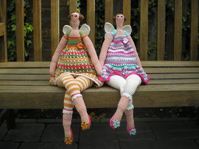 Kijk wat ik gevonden heb op Freubelweb.nl: gratis haakpatroon van Inge's Creaties om deze Tilda poppen te maken https://www.freubelweb.nl/freubel-zelf/gratis-haakpatroon-tilda-pop/