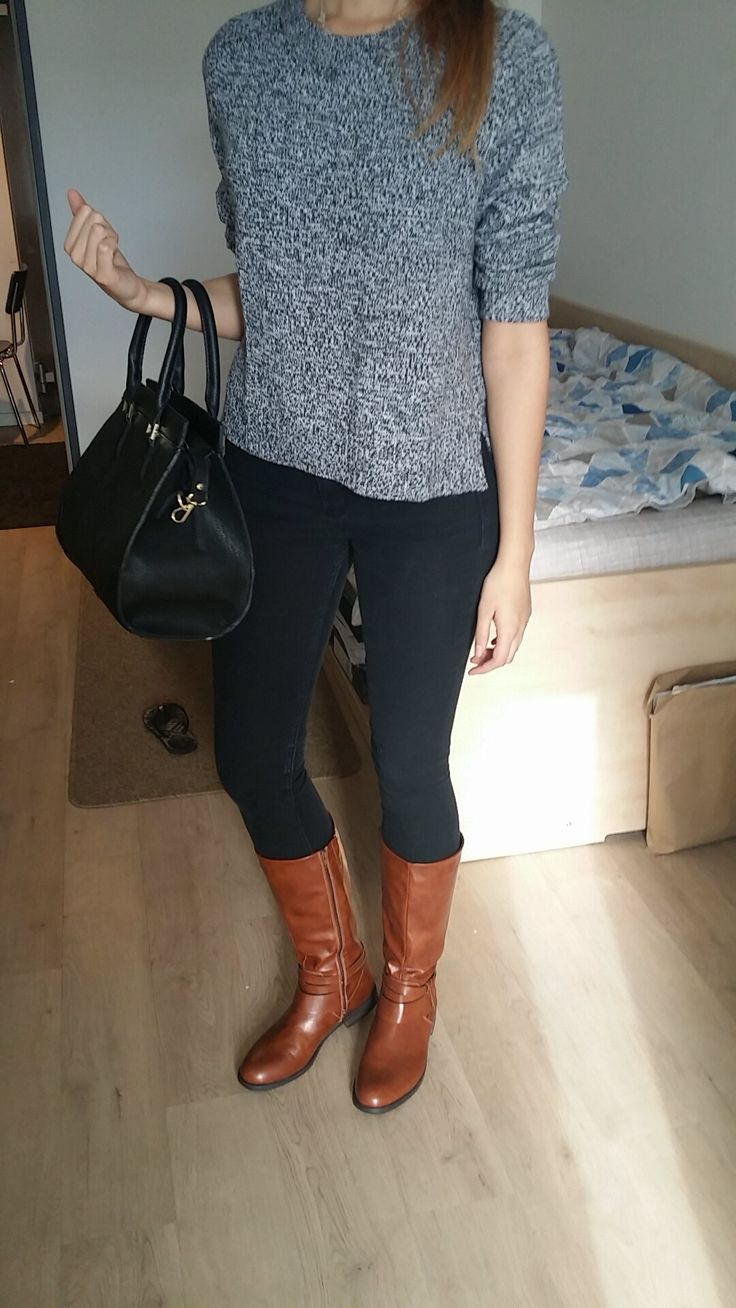 - Fall outfit for women - Brown boots outfit autumn, grey sweater with black skinny jeans and black purse