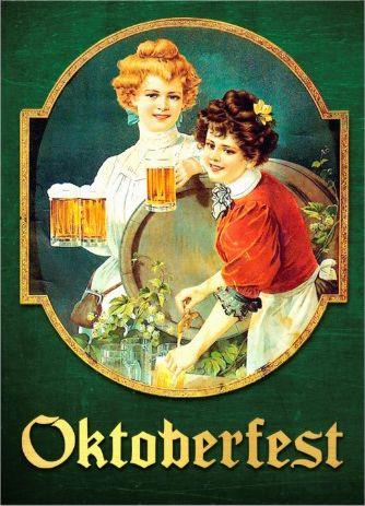 Vintage serene #oktoberfest_invitations. Two lovely ladies | Einladung zum Oktoberfest | Bier | Tracht | altmodisch
