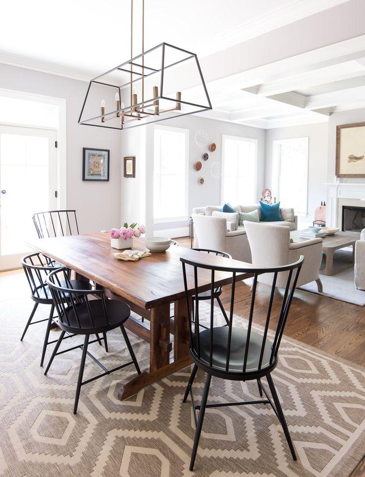 Simplistic Yet Cozy Dining Room Design
