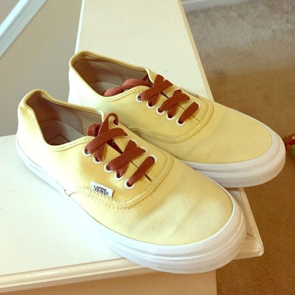 25+ Best Yellow Vans Ideas On Pinterest | Rain Outfits Vans Sweater And Yellow Dress Outfits