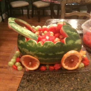 baby shower fruit basket with out baby but more detail