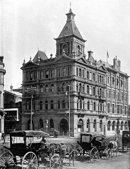 Robinson Bank, Simmonds Street, Johannesburg by HiltonT, via Flickr. In later years this was the site of Barclay's Bank, Simmonds Street branch.