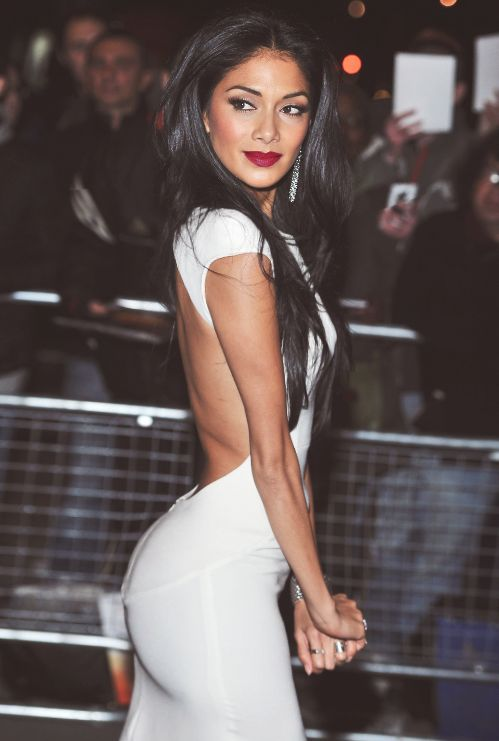 Black hair, tan skin, white dress... That combination was begging for red lips.