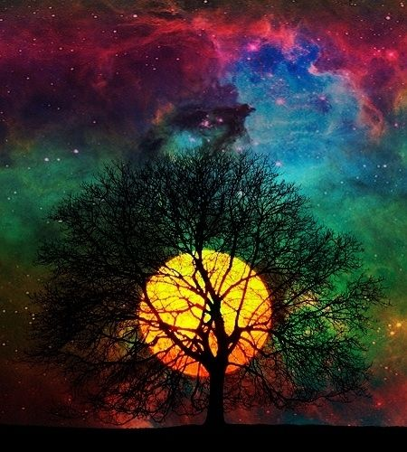 21. Colorful ! Resembling almost like a sun, this moon is taking all the attention. | Community Post: 21 Breathtaking Images Of Moon That Will Make You Think If It's Real Or Not