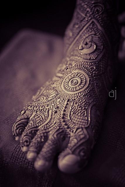Los tatuajes de Henna se realizan, principalmente, en pies y manos.