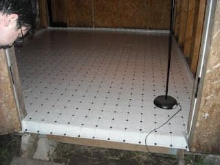 Chicken coop with linoleum floor! What a good idea!!!