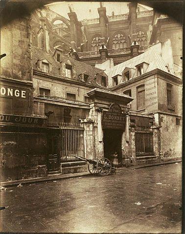 Hôtel de Royaumont, rue du Jour (Getty Museum) - Eugene Atget