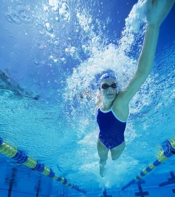 """Swimming Technique: 9 Ways You're Swimming Wrong - In swimming, """"freestyle"""" doesn't mean """"make it up as you go along."""" To reap freestyle swimming's awesome calorie-torching, muscle-strengthening benefits, you've first got to get your swimming technique in check. Here are the nine most common (and totally fixable!) mistakes you might be making in the water."""
