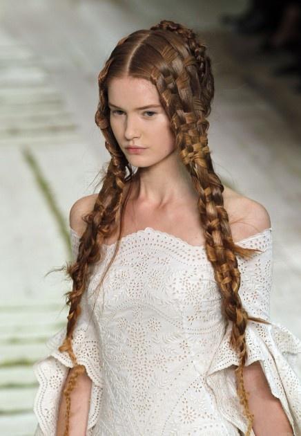 Alexander McQueen - Spring/Summer 2011 (Woven Hair) #hair #woven #alexandermcqueen