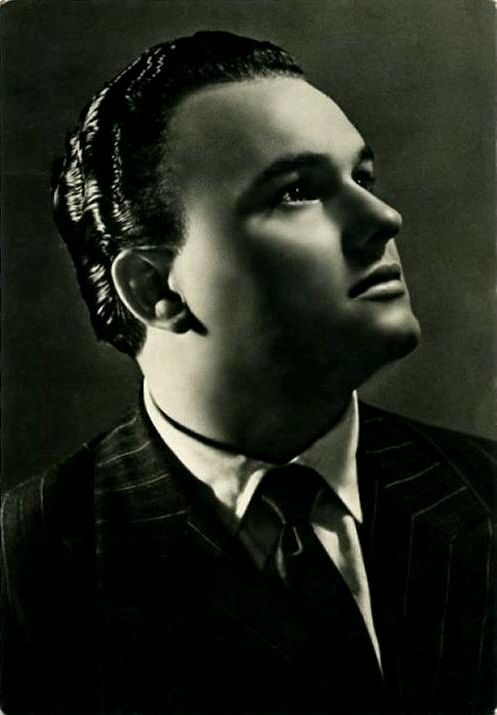 Crooner and actor Luciano Tajoli in 1947. He won the Sanremo Festival in 1961.