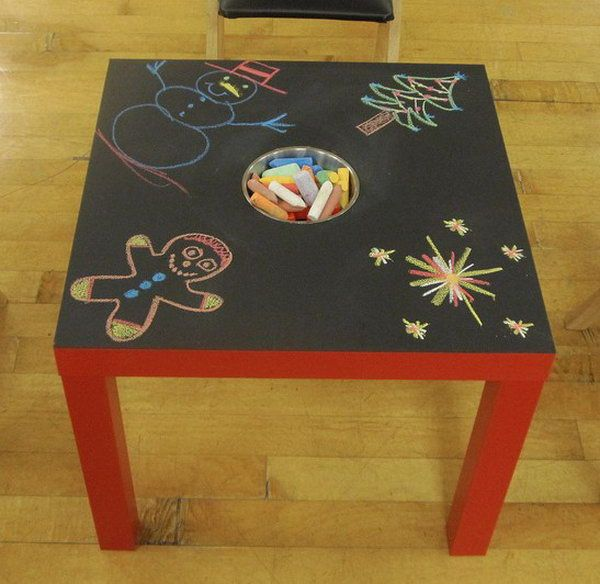 DIY Chalkboard Table for Kids. The chalkboard table on sale is very expensive. Here is an creative idea about how to DIY a cheap and easy chalkboard table with IKEA LACK table. I love the design of the chalk storage in the middle of the table. For this project, I didn't find the detailed tutorial, but I think it is very easy and you can make according to the picture.