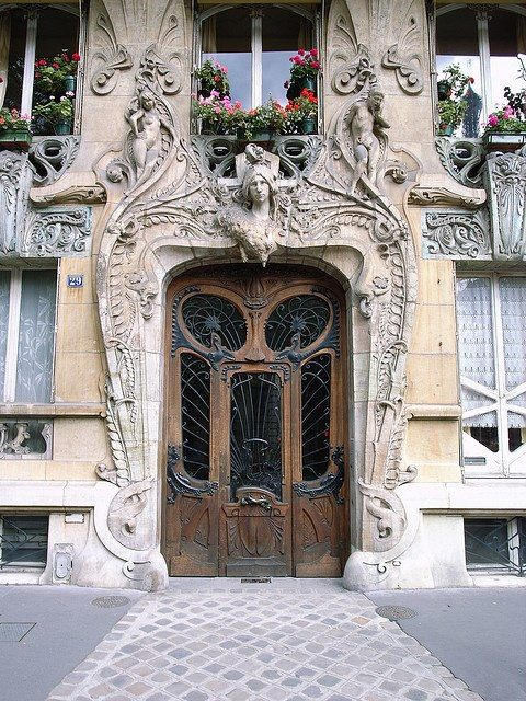 Art-Novueau doorway on Avenue Rapp, Paris