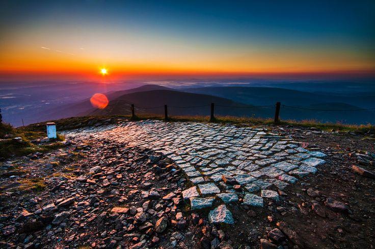 Sunrise... Sniezka, Karkonosze, Poland  by Piotr Mryglodowicz on 500px.