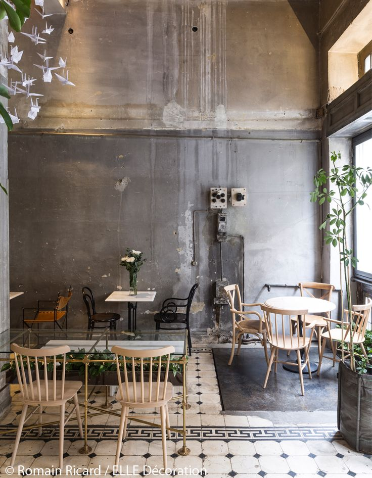 concept store athenes.jpg Industrial building makes for airy relaxed cafe setting.