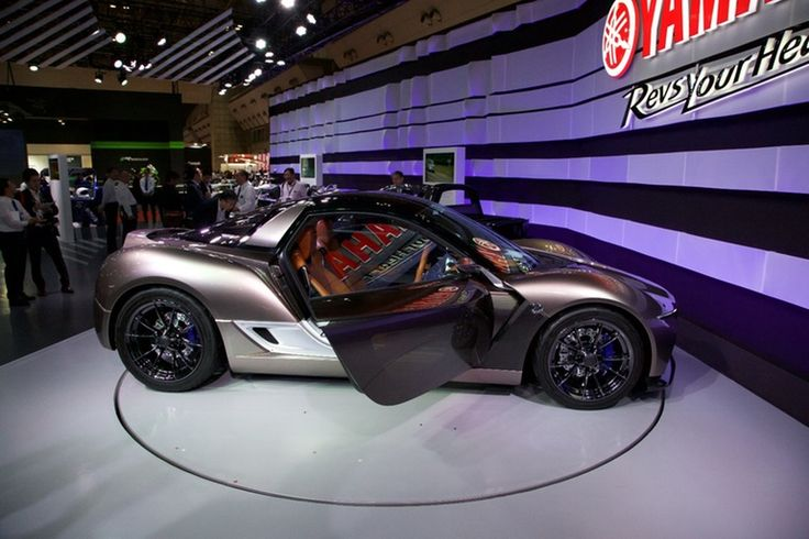 Yamaha's 2016 Sports Ride Concept attempts to convey the feeling of riding a motorcycle to a lightweight two-seater sport car
