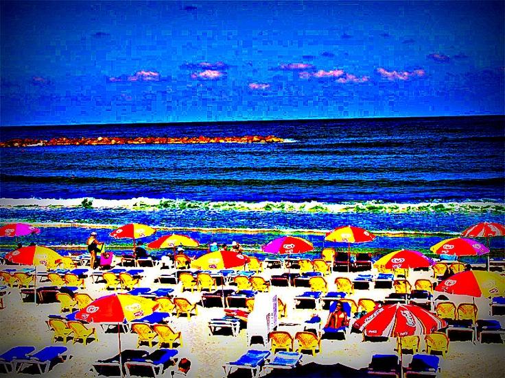 A vibrant Gordon beach, Tel Aviv