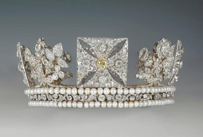 Queen Elizabeth's crown | Crown Jewels | Pinterest