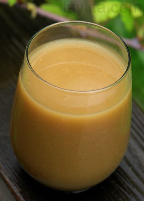 Colada de avena is a typical drink from Ecuador made with oats, naranjilla fruit, panela or brown sugar, water and cinnamon.