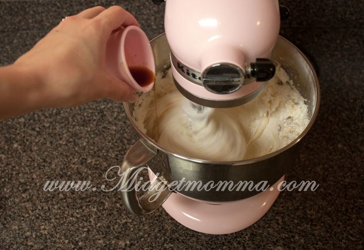 Cake Icing Recipe With Crisco: 48 Best Images About Crisco Frosting On Pinterest