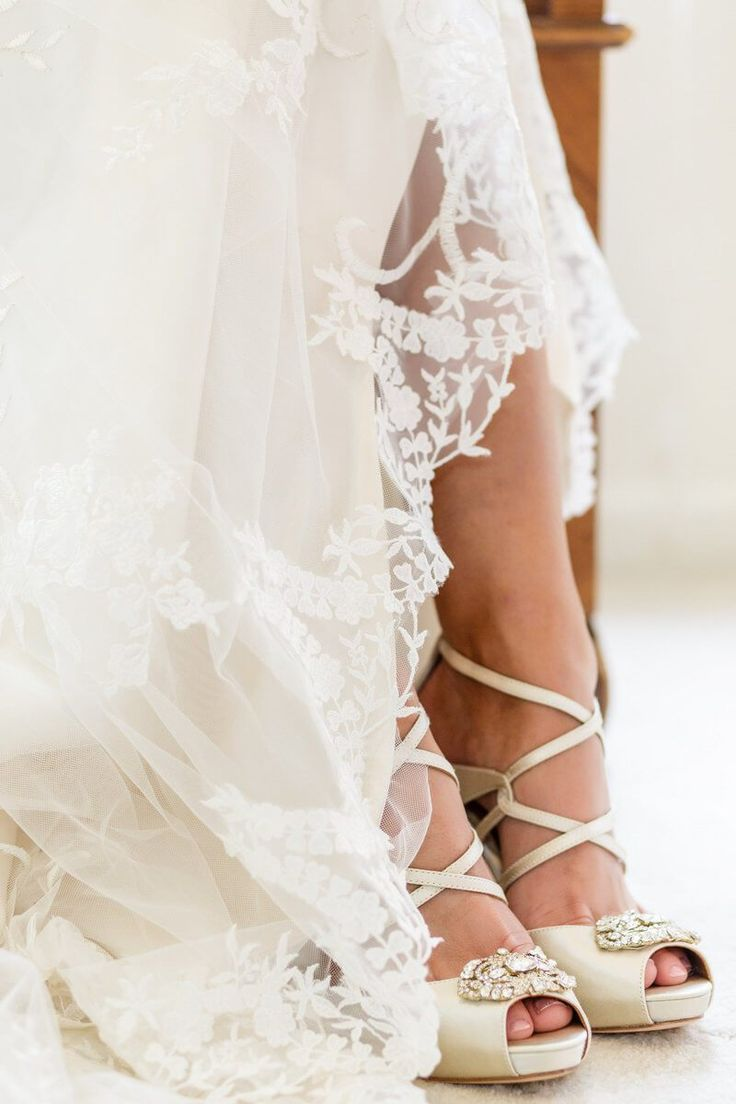 vintage glam wedding - bridal shoes