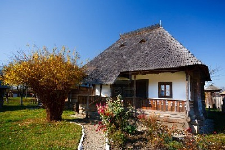trendy design traditional romanian house #KBHomes