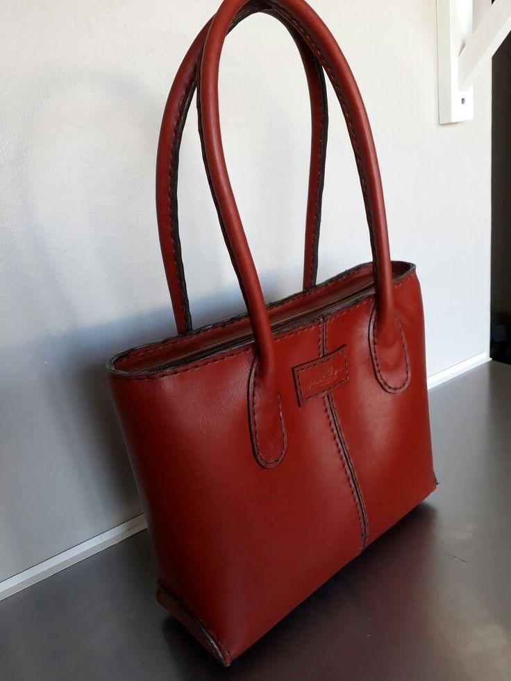 Ladies leather handbag . Handstiched
